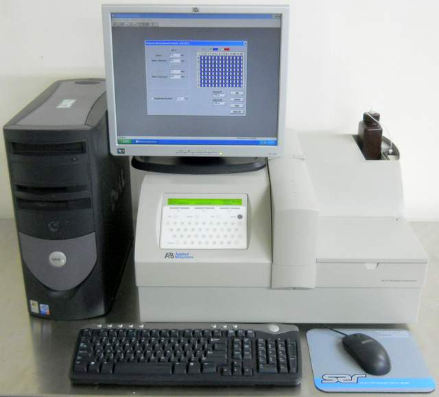 Tropix TR717 / LB96V Microplate Luminometer