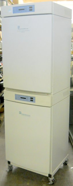 3110 Dual-Chamber Water-Jacketed CO2 Incubator