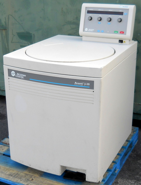 Avanti J-20 Refrigerated Superspeed Floor Model Centrifuge