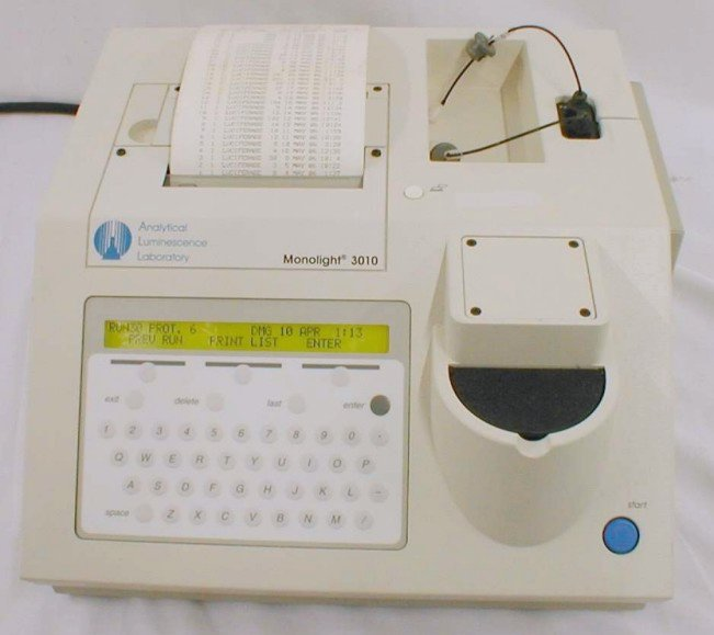 Monolight 3010 Luminometer